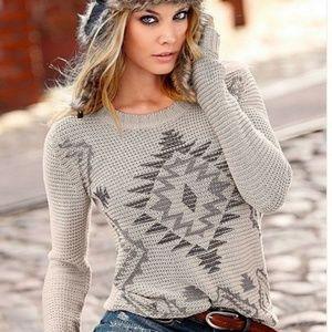 VENUS Tribal Crewneck Sweater Medium
